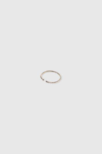 Ring H082