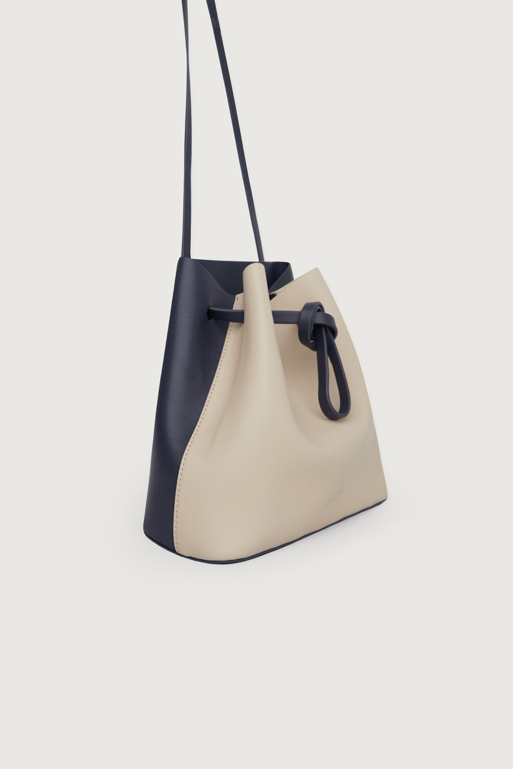 Bag 198320191 Navy Cream Mix 6