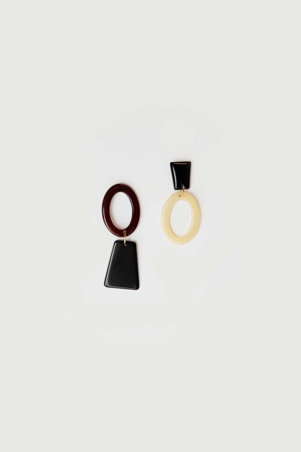 Earring K018 Black 4