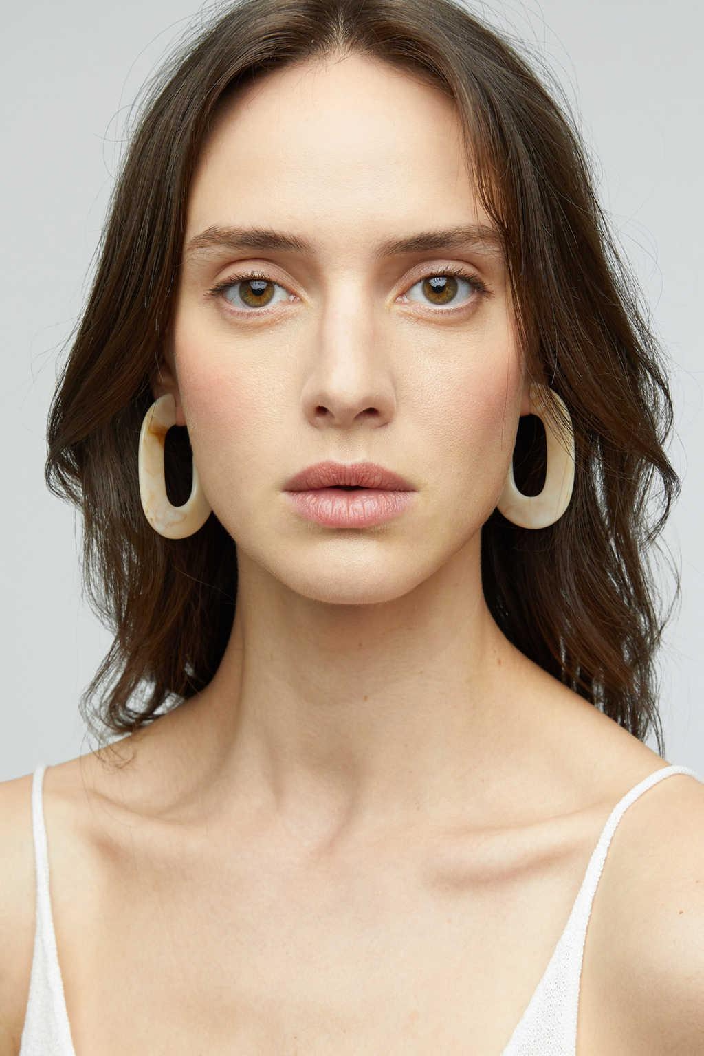 Earring K040 Cream 1