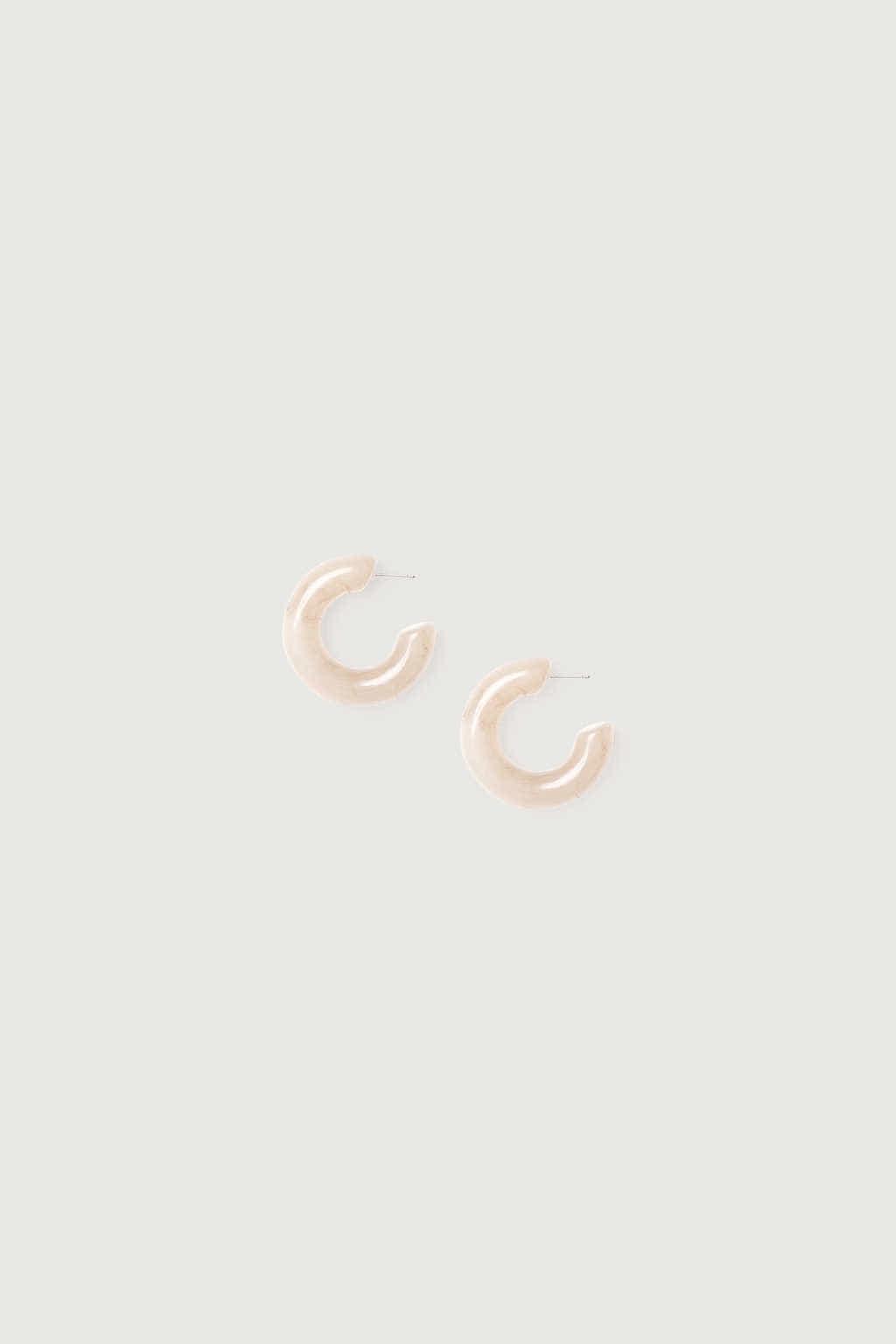 Earring K046 Cream 2