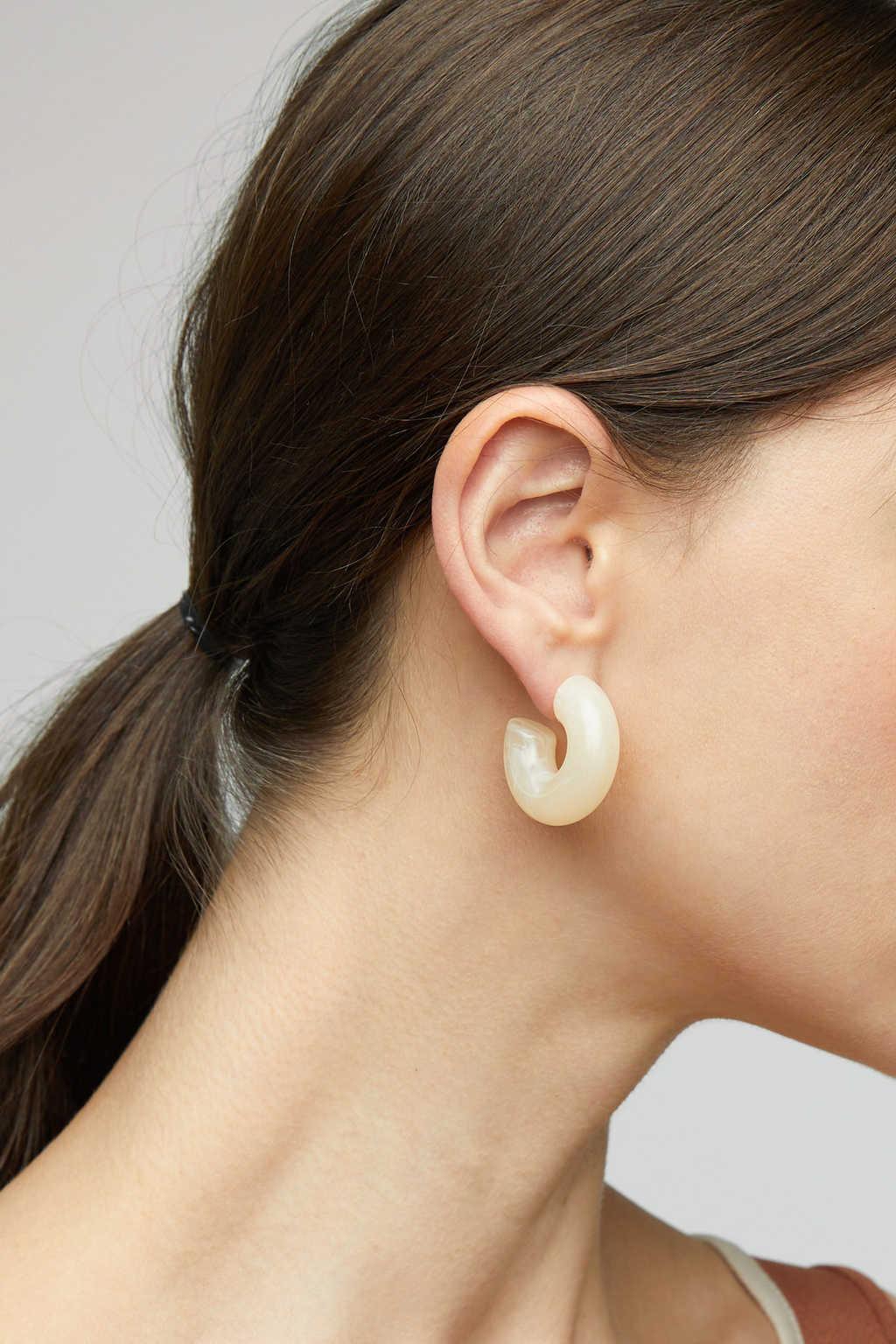 Earring K046 Cream 3