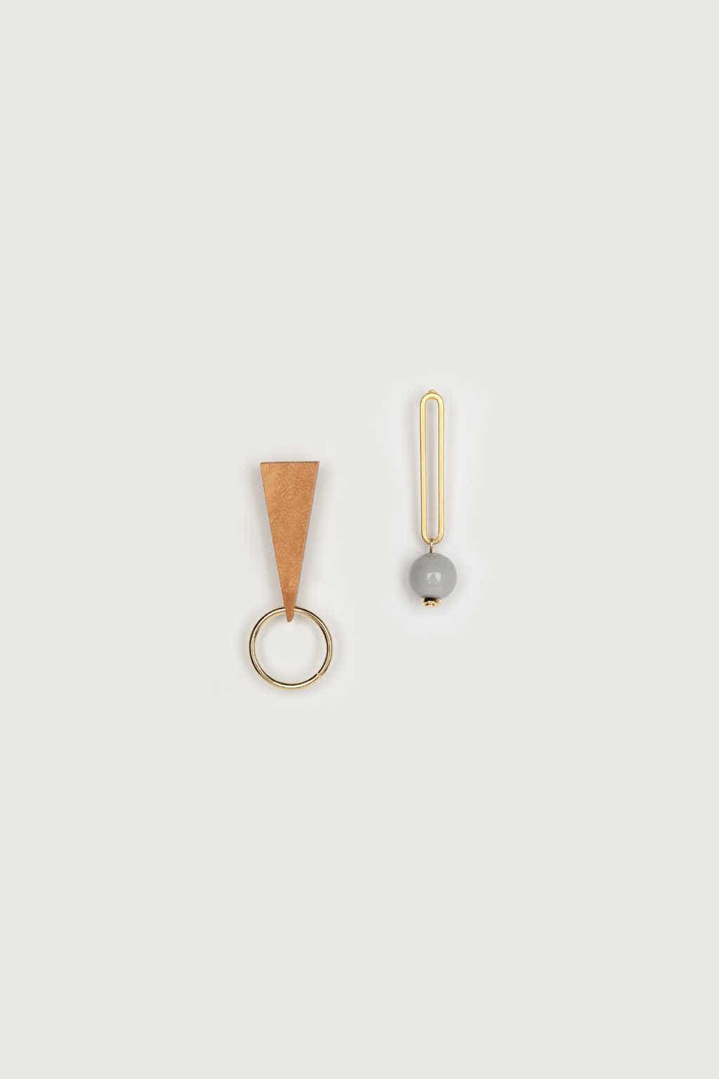 Earring K048 Beige 1