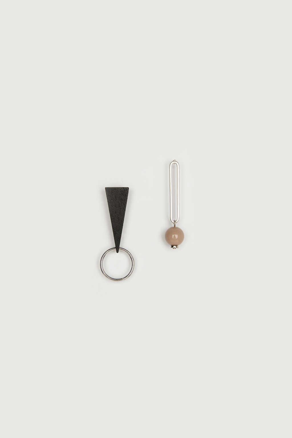 Earring K048 Black 6