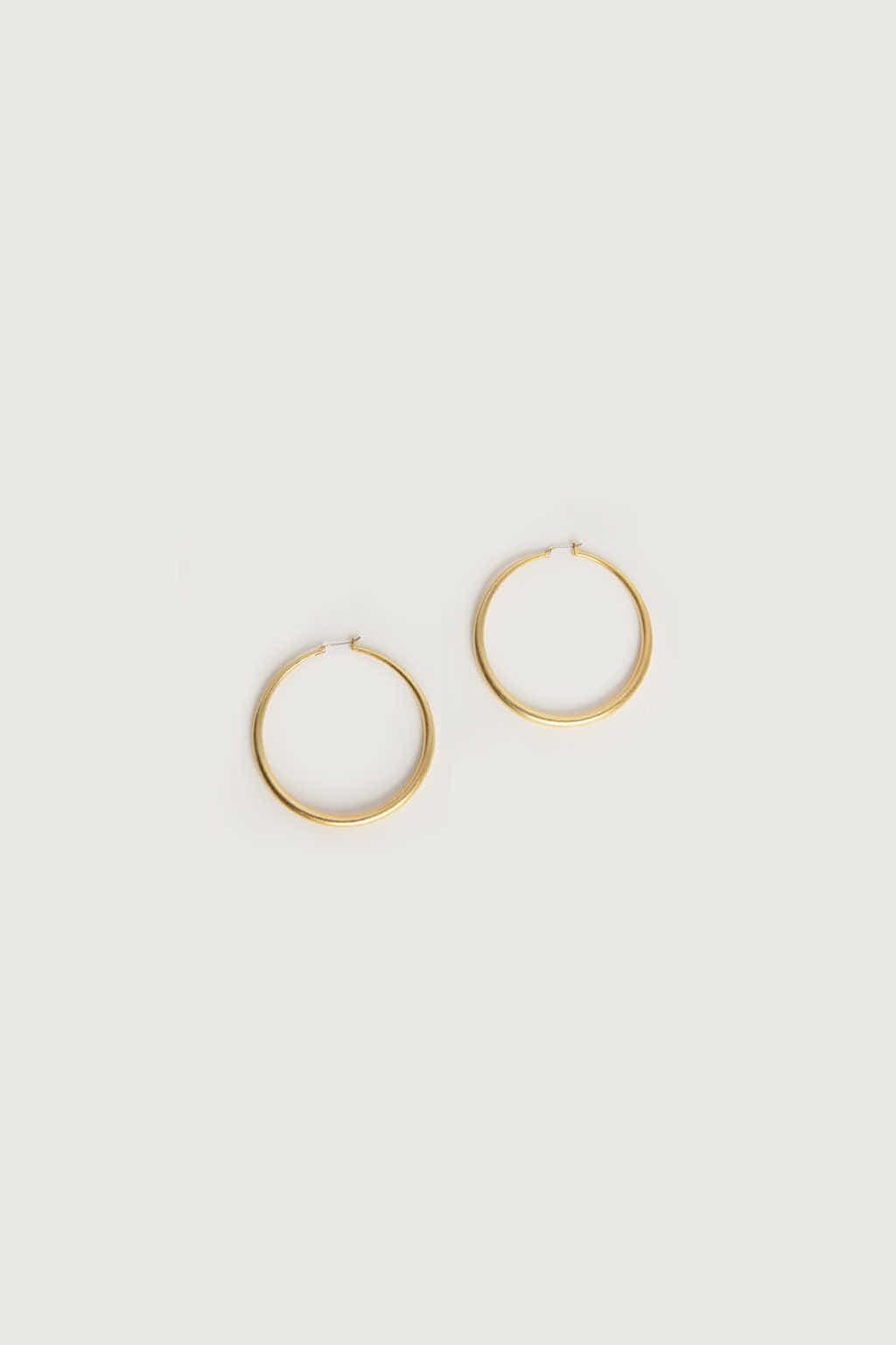 Earring K061 Beige 2