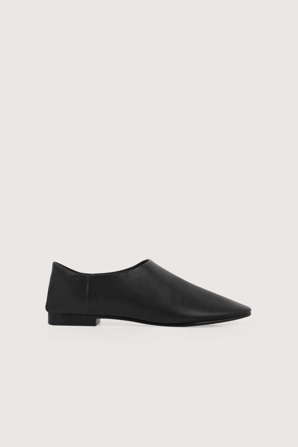 Flat 1627 Black 5