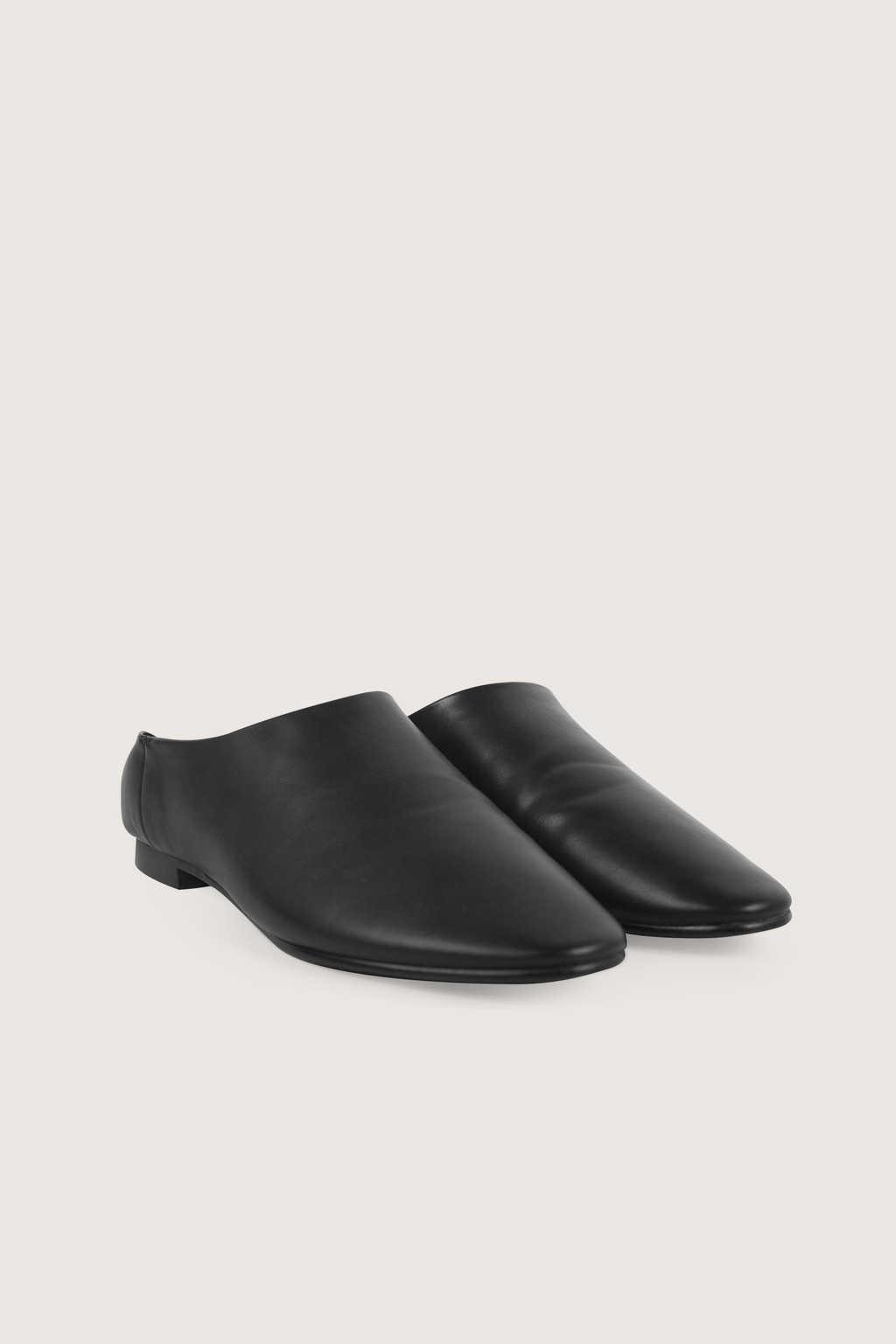 Flat 1627 Black 7