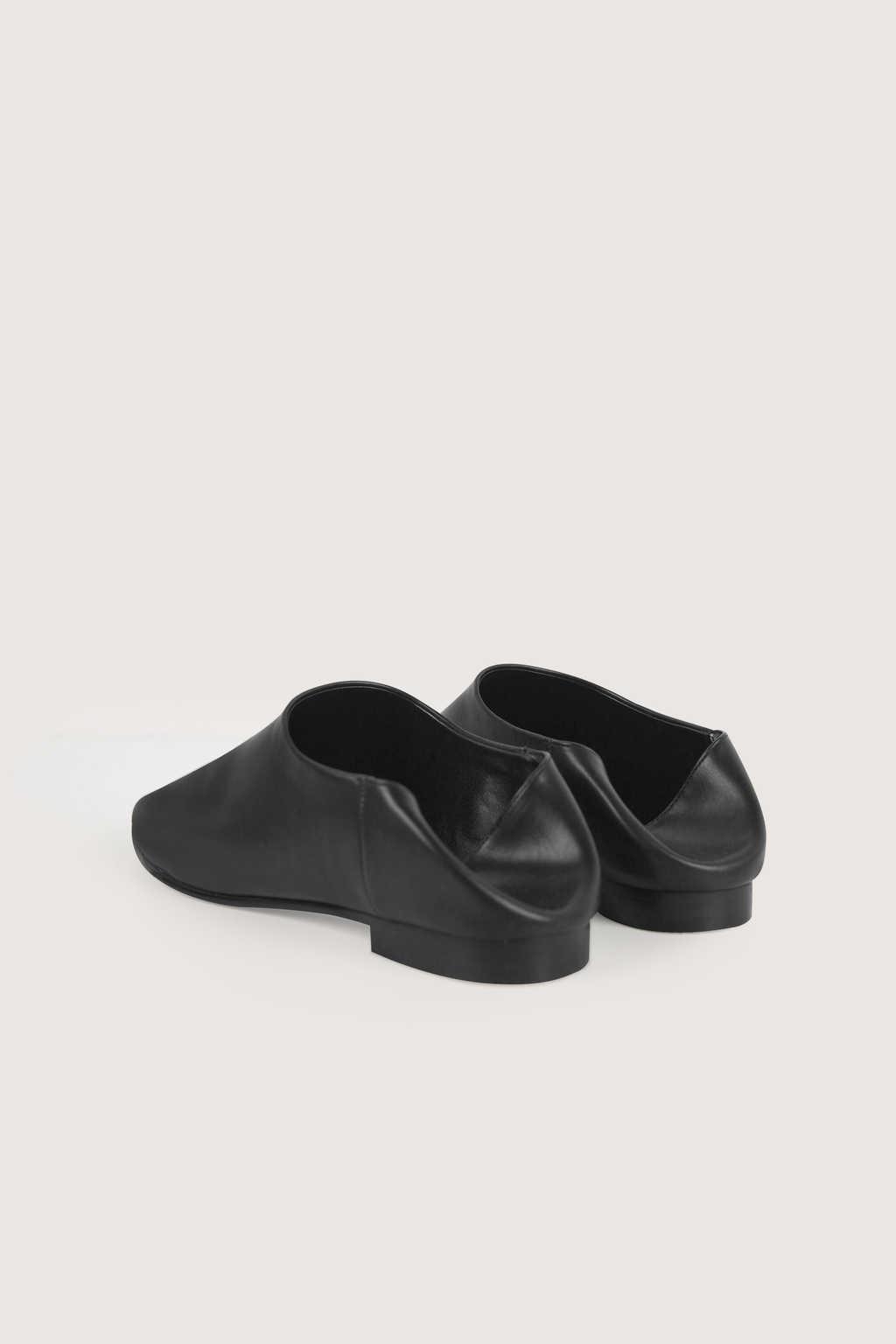 Flat 1627 Black 8