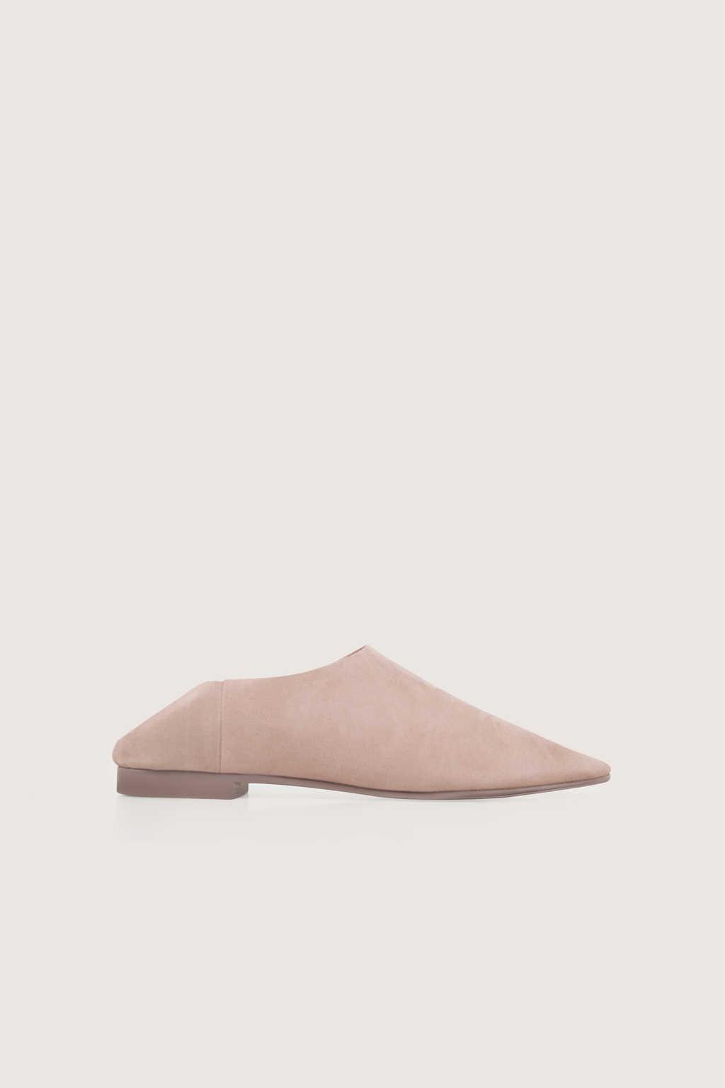 Flat 1627 Light Pink 1