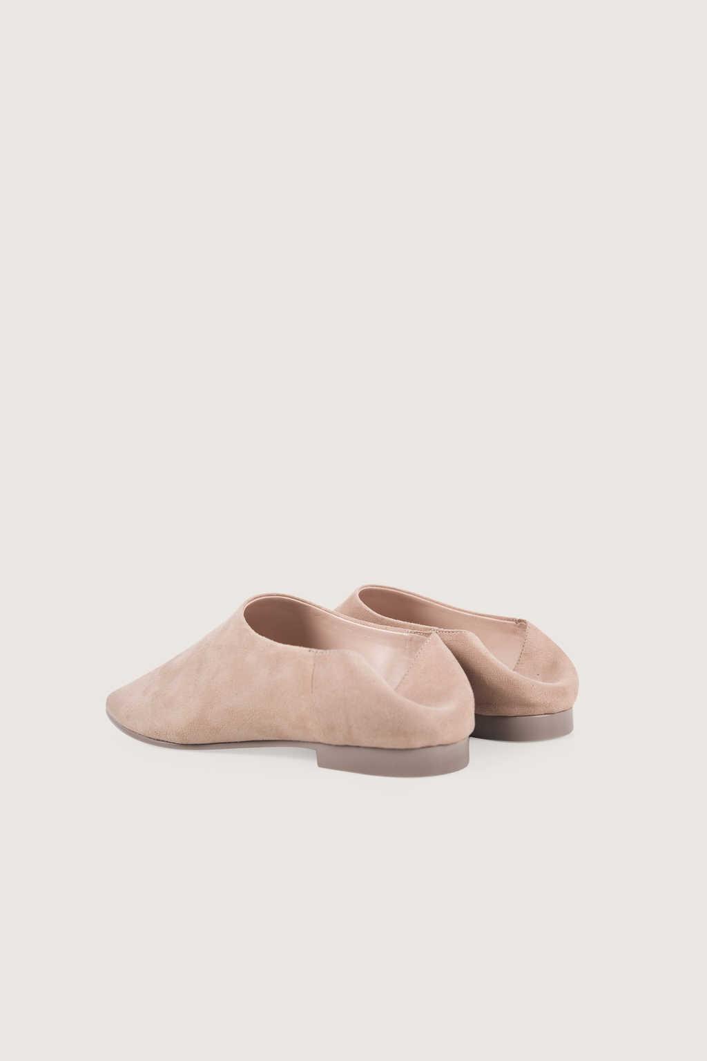 Flat 1627 Light Pink 4