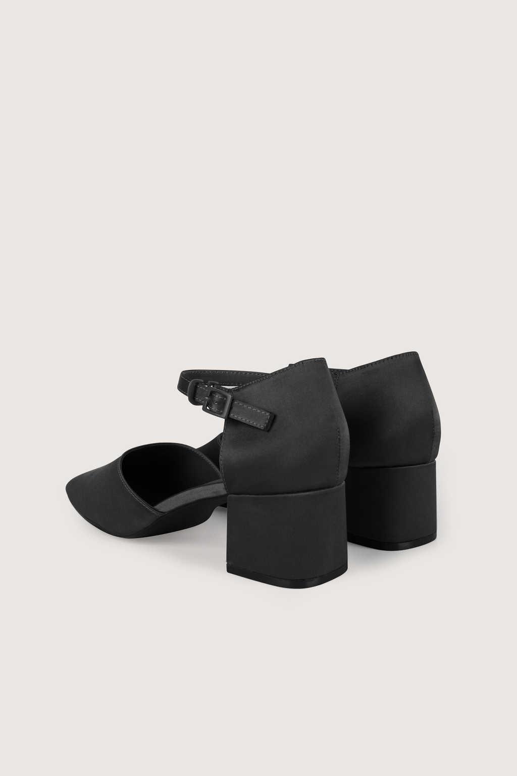 Heel 1734 Black 8