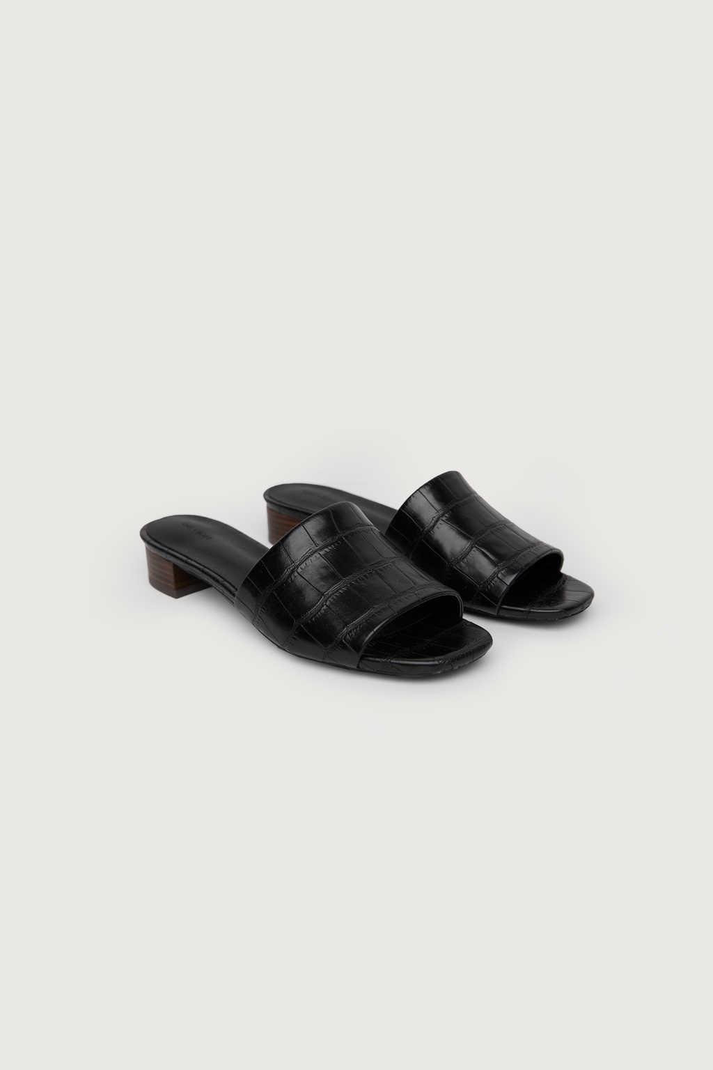 Heeled Mule 1484 Black 8