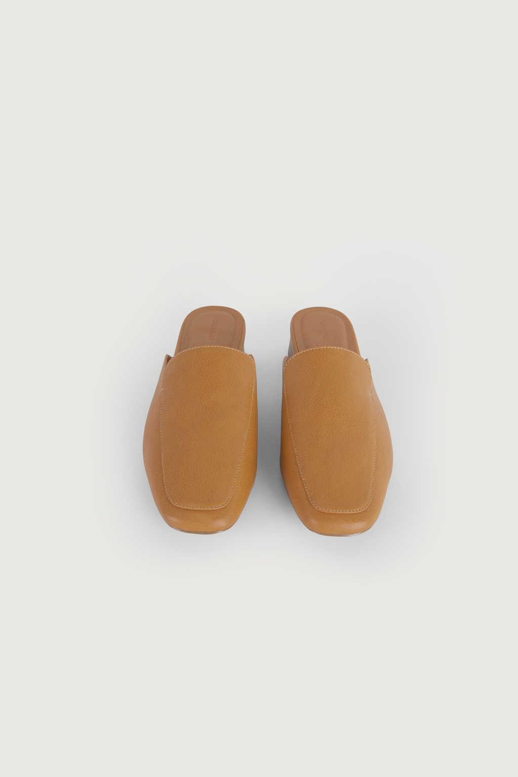 Mule 3240 Tan 1