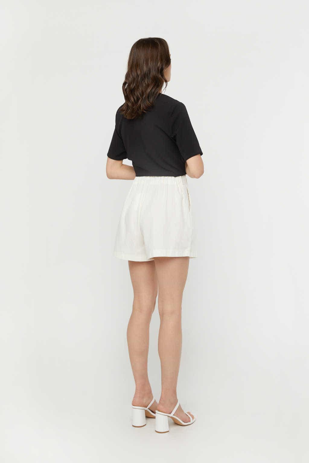 Short K011 Cream 4