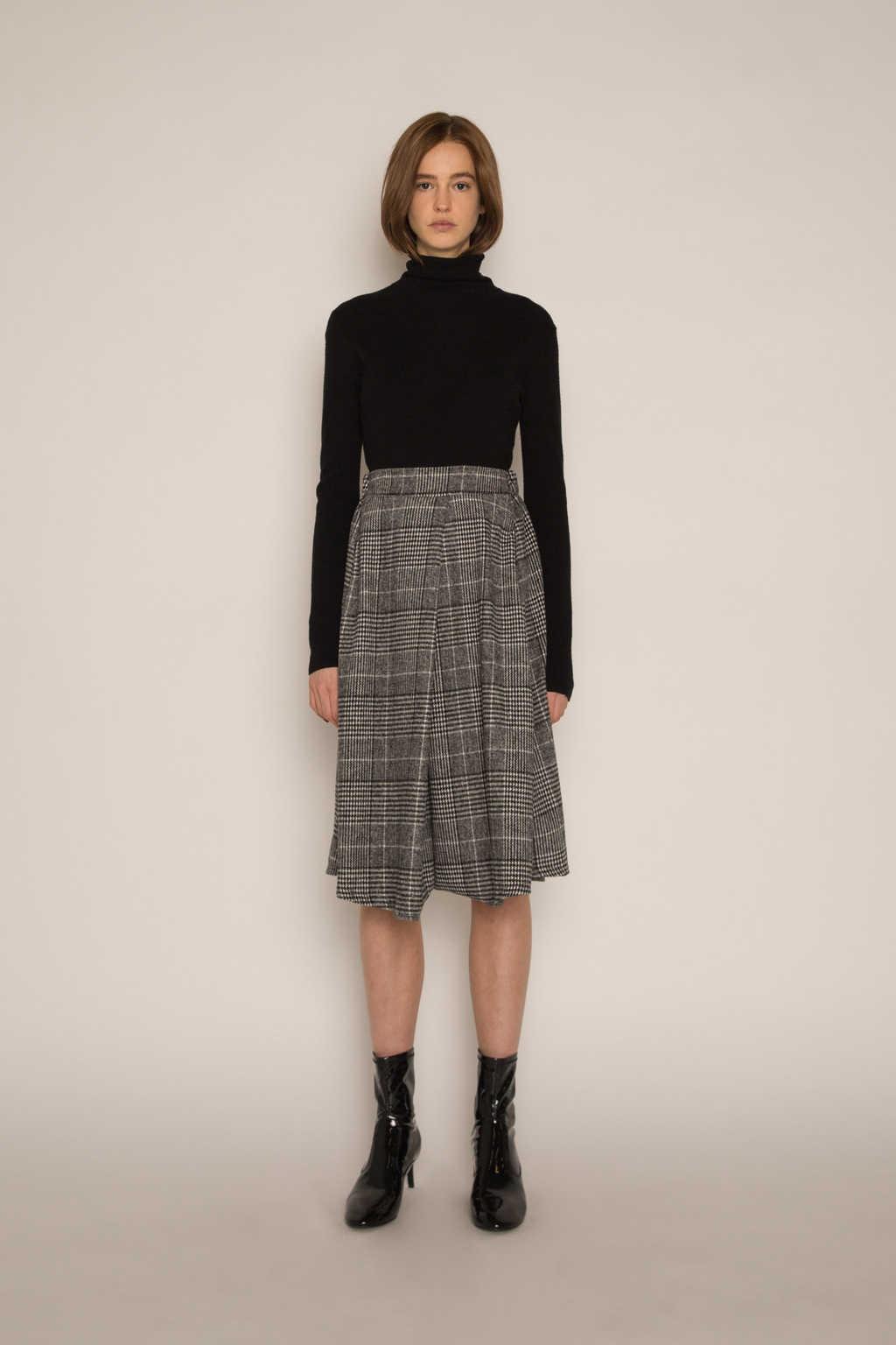 Skirt H177 Black 1