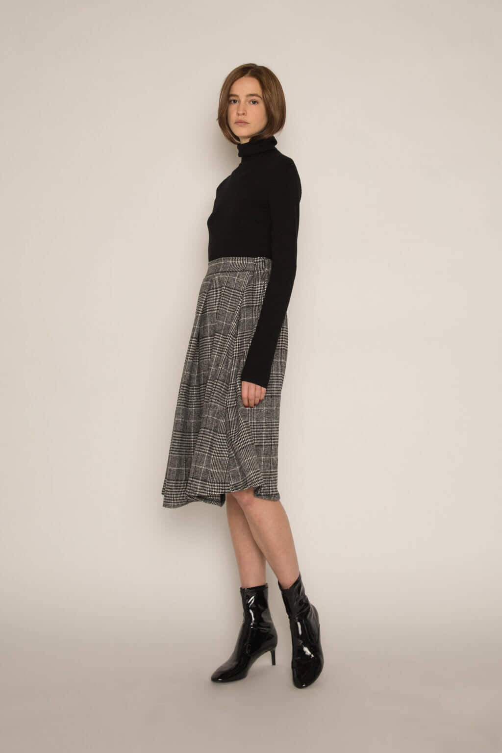 Skirt H177 Black 3