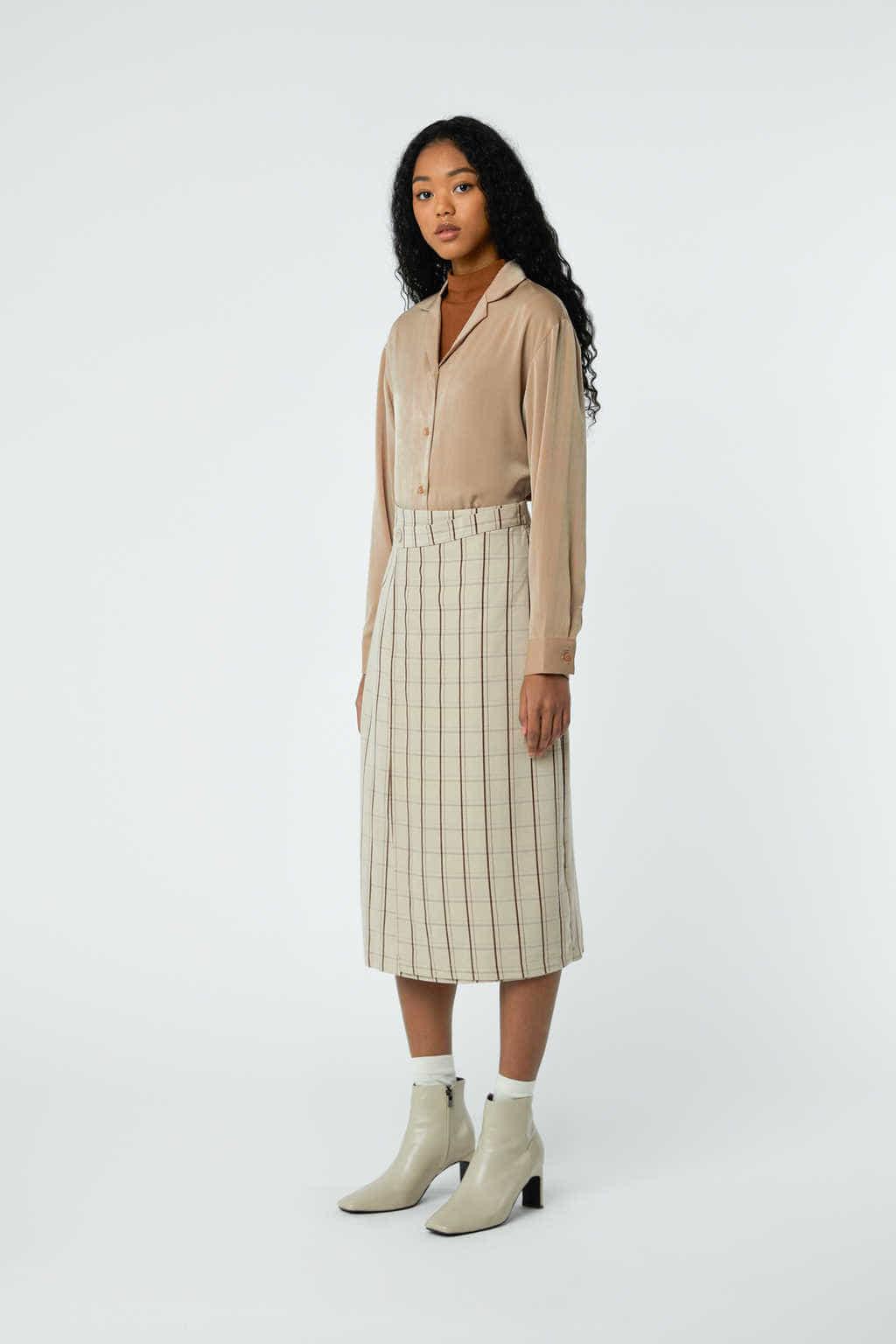Skirt J001C Beige 2