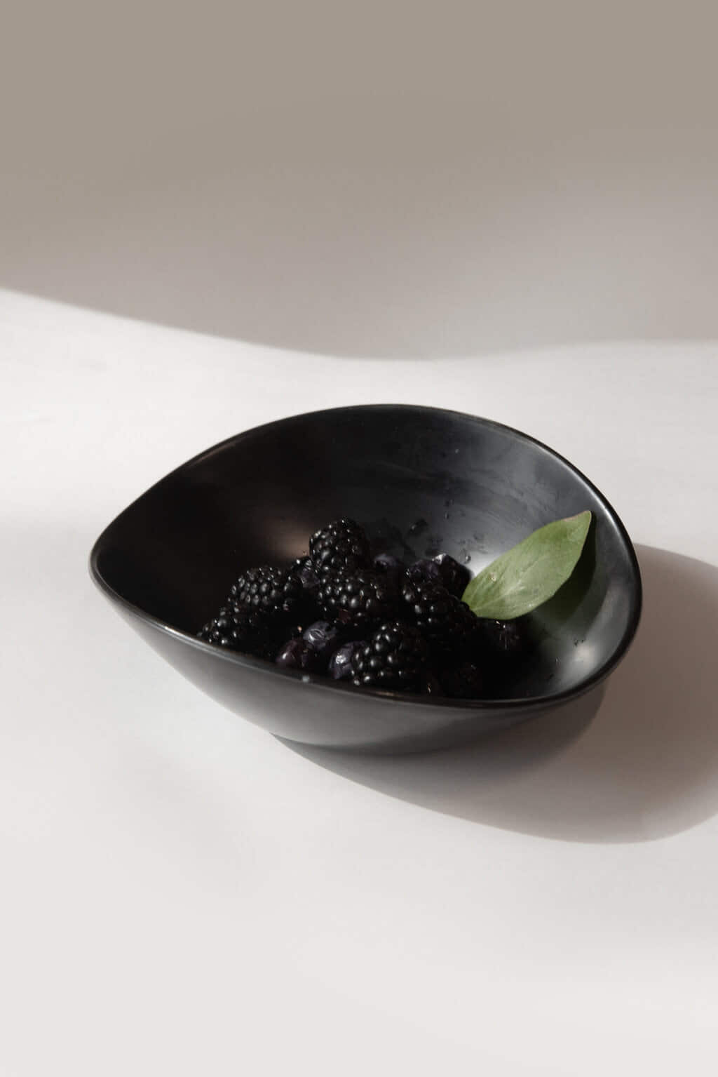 Small Ceramic Bowl 3296 Black 1